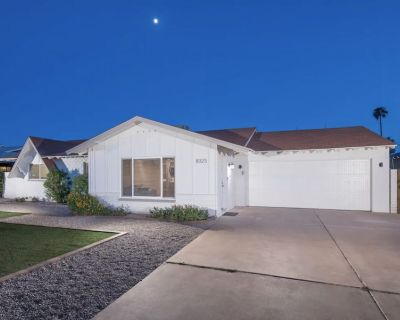 Classic Contemporary Desert Home Near Old Town - Pool + Spa - Scottsdale Estates Nine