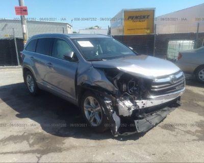 Salvage Silver 2014 Toyota Highlander