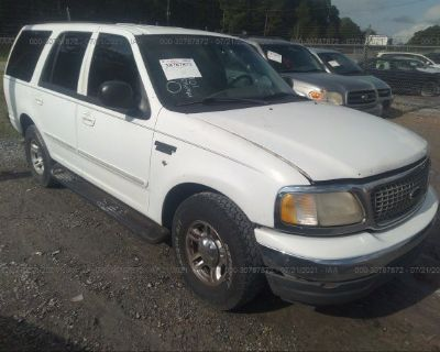 Salvage White 2000 Ford Expedition