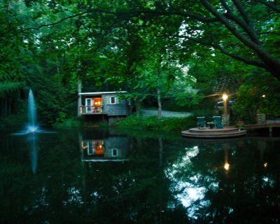 Serene Lakefront Bamboo Bungalow - Cumming