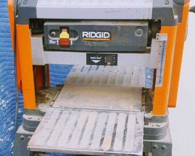 RIDGID 13 inch thickness corded planer 3-blade cutter head with 3 extra sets of blades and stan