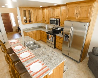 DW19 | Room For Everyone In This Spacious Vacation Home | Sleeps 11 | 3 BD/3 BA - Moab South Valley
