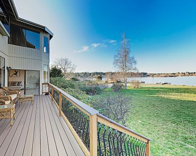 New Listing! Gorgeous Lakefront Home w/ 2 Living Areas, Dock & Pedal Boat - Edmonds