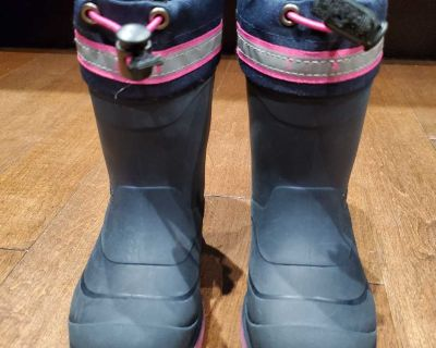 Size 9 Toddler Kamik Winter Boots