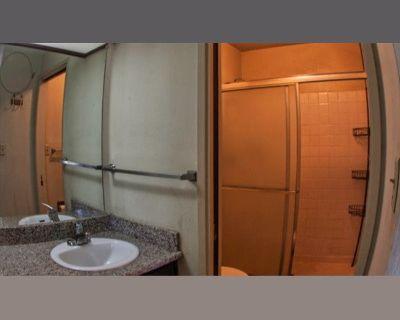 Room for rent in Dale Avenue, Cuernavaca - Master bedroom, in 3 room 2 bathroom apt