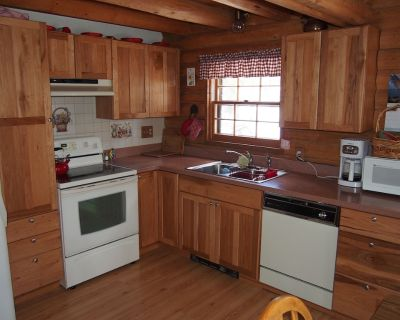 Alice's Acres- cozy log home in the woods, close to Nederland and Black Hawk - Gilpin County
