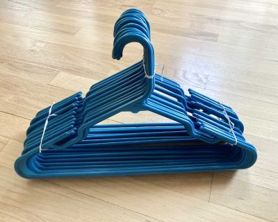 Mainstays Adult-Size Turquoise/Teal Tubular Plastic Hangers - 18 Count
