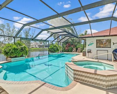 GORGEOUS! Newly Listed SW Cape Coral Gulf Access Heated Pool & Spa Home! Free Bikes, Kayaks & WiFi! - Pelican
