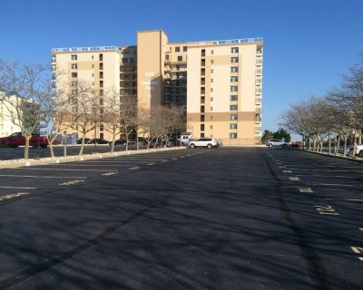 Newly Renovated And Furnished Oceanfront Condo - Midtown Ocean City