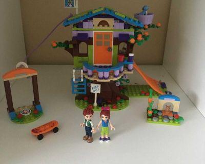 Lego friend tree house