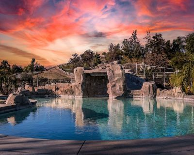 Beautiful pool home steps from wineries! - Temecula