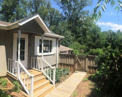 Pisgah Prost! Haus In Secluded Woods Near Hiking, Biking & Breweries - Pisgah Forest
