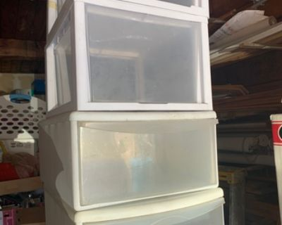 Plastic drawers containers