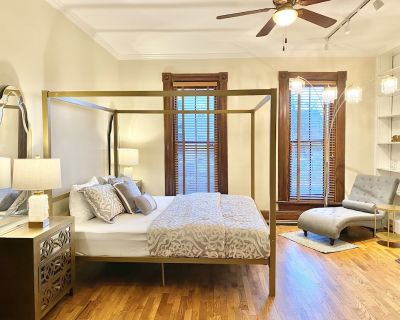 Ultra Luxury Oregon District | 6th St | King Bed - Oregon District