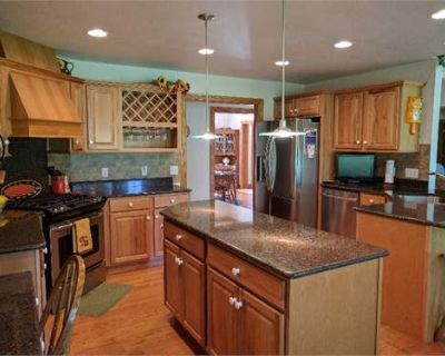 House for Sale in Erie, Pennsylvania, Ref# 200329232