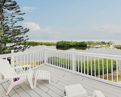 Beachfront Estero Island Getaway with Heated Pool & Private Trail to Ocean - South Island