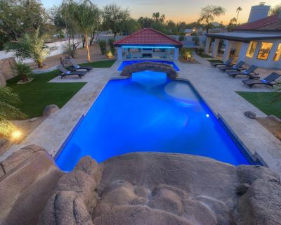 6 Bedroom with 3 Master Suites. Amazing pool with water slide and swim up bar - Sweetwater Street East