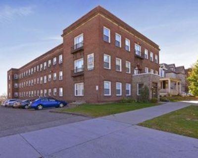 178 Summit Ave, St. Paul, MN 55102 1 Bedroom Condo