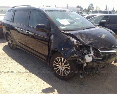 Salvage Black 2019 Toyota Sienna