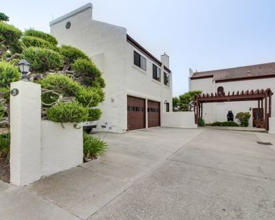 Classic Stucco Condo by the Sea - Ocean Views, Walk to Everything! - Cayucos