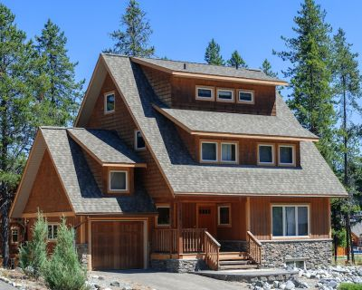 Luxury 7 Bedroom Home. Private Hot Tub. Great for Families and Ski Vacations! - Kimberley