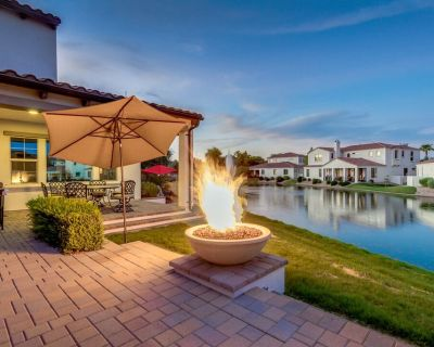 Luxurious WATERFRONT Oasis with FIRE PIT/BBQ!! - Balboa Way