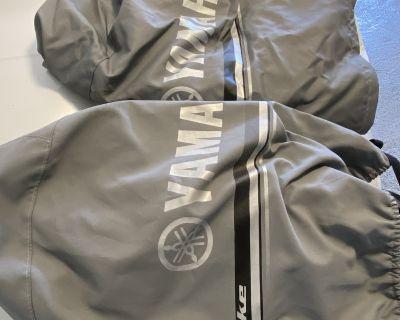 2 Yamaha F300 engine covers