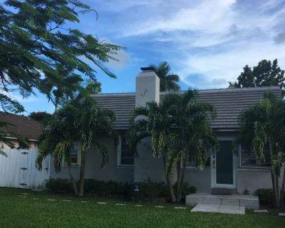 Private room with own bathroom - Miami , FL 33134