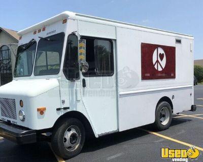 LOW MILES 2003 Workhorse P42 Diesel Fryer Food Truck w/ Generator for sale in Kentucky!