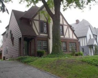 18323 Newell Rd #3, Shaker Heights, OH 44122 1 Bedroom Apartment