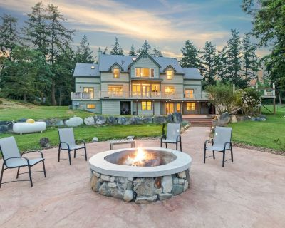 PRIVATE ESTATE! 5 ACRES! HOT TUB! CLOSE TO DOWNTOWN FRIDAY HARBOR! (MYISLHR) - Friday Harbor