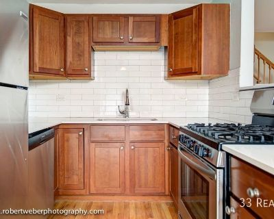 BEAUTIFUL LARGE 3 BED TOWNHOUSE WITH IN-UNIT LAUNDRY.....MUST SEE!!!