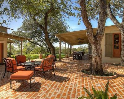 LUXURY RANCH ON 110+ ACRES W/ POOL, PARTY BARN FOR WEDDINGS & EVENTS. - Somerset