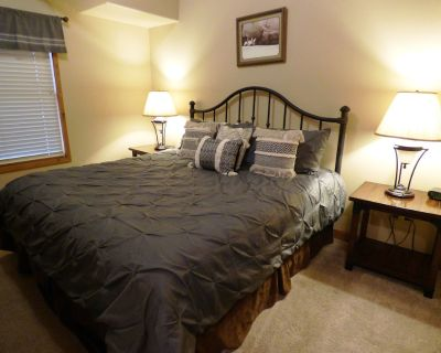 Aspen Villa - A One Bedroom Condo Sleeps 4 with Great Views from the Deck! - Ruidoso