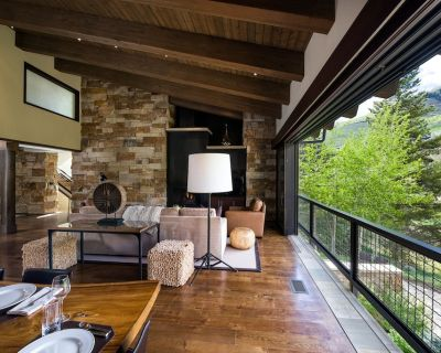 Perfect Vacation Home! Walk to town! Private hot tub & fire pit. - Vail