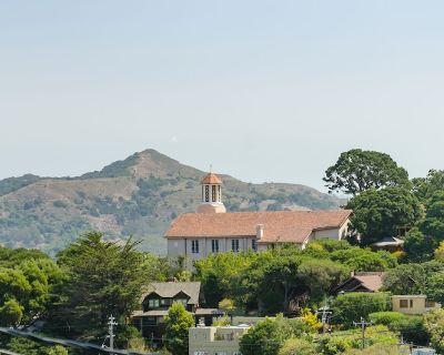Spacious View Home - Fantastic Location - Walk to Town - Sausalito