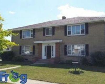 111 Andrew Avenue - 4 #4, Neenah, WI 54956 2 Bedroom Apartment