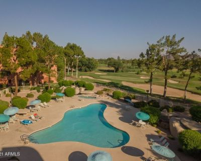 Ground floor quiet oasis, updated 2 bedroom 2 bath condo with golf course view - Paradise Valley Village