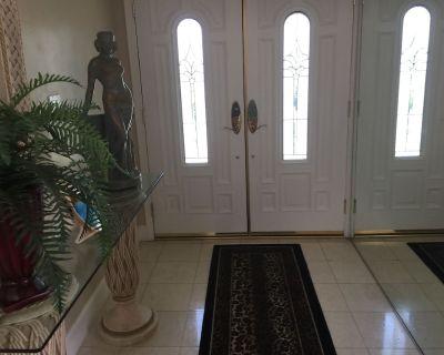 Remodeled custom home, formal L.Rm., Den, step down bath / bar, very comfortable - Rancho Mirage