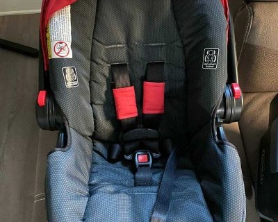 Baby car seat like new expires on 2024