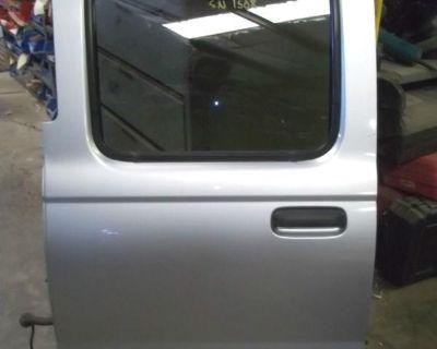 03 04 Nissan Frontier Crew Cab 4dr Pickup Truck Left Driver Rear Back Power Door