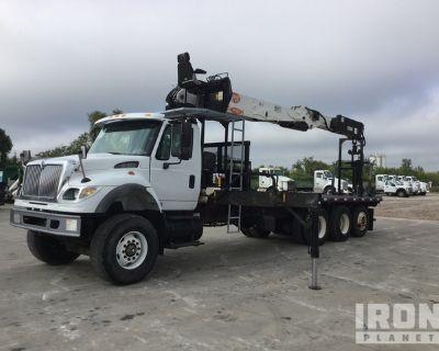 2005 PM PM60 6,170 lb Articulated Boom on 2005 International 7600 6x4 Tri/A Articulating Boom Truck