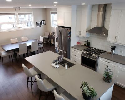 Brand new luxury town-home near Children's & Foothills Hospitals and the U of C - University District