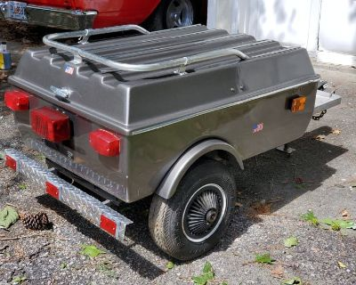 Fiberglass Titanium Silver Pull Behind Trailer Painted Match Goldwing Great deal, Options Located Snellville GA $1000.