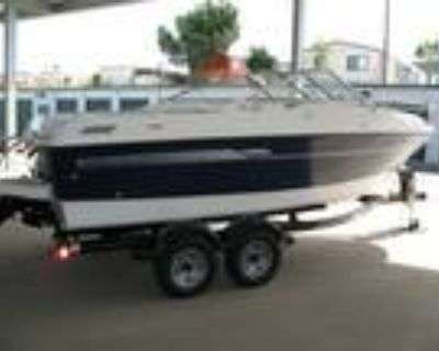 19 foot Bayliner 192 Discovery