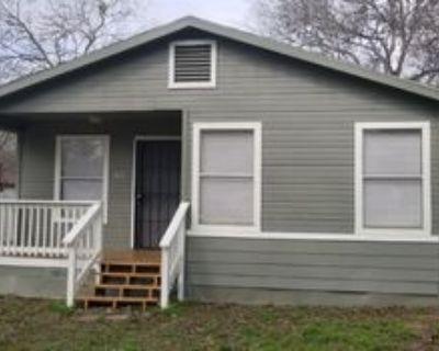 621 Austin St, Pleasanton, TX 78064 2 Bedroom House