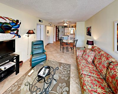 Steps to Gulf & Packed w/ Amenities - Multiple Pools, Hot Tubs & Tennis - Fort Morgan