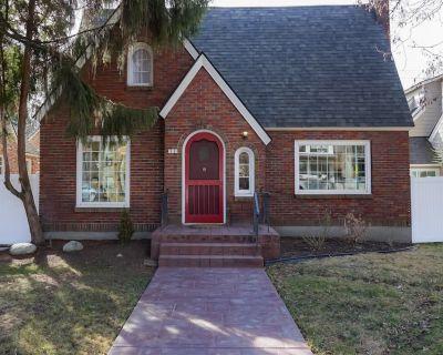 Beautifully remodeled vintage home on Sherman Avenue - Coeur d'Alene
