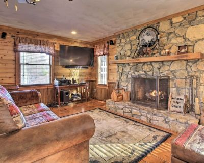 Family Cabin w/ Prvt Pool & Hot Tub by Fairy Stone - Franklin County