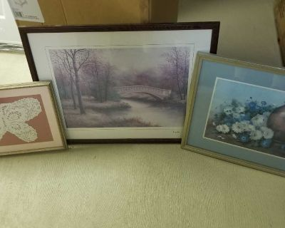 PICTURES AND WALL DECOR